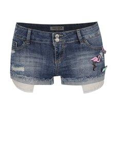 Modré džínové kraťasy s nízkým pasem a plastovými odznaky TALLY WEiJL Woven