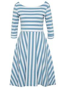 Bílo-modré pruhované šaty miestni