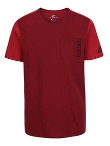 Vínové pánske tričko s náprsným vreckom Nike Tee