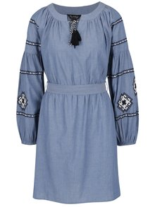 Modré šaty s vyšívanými detailmi na rukávoch Miss Selfridge