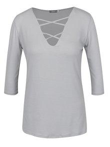 Sivé tričko s pásikmi v dekolte a 3/4 rukávom ZOOT
