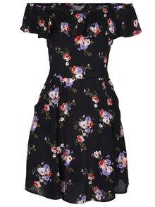 Čierne kvetované šaty s odhalenými ramenami a volánom Miss Selfridge