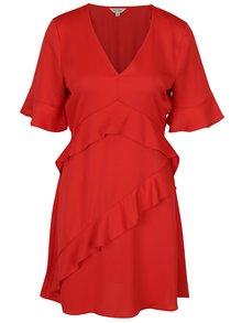 Červené šaty s volánmi Miss Selfridge