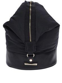 Čierny batoh/crossbody kabelka s detailmi v zlatej farbe Dorothy Perkins