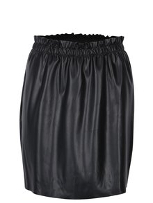 Čierna koženková sukňa s riasením Jacqueline de Yong Fix