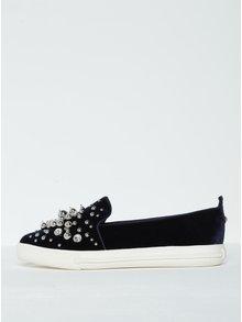 Tmavomodré zamatové loafers s kamienkami a korálikmi Miss KG Lareina