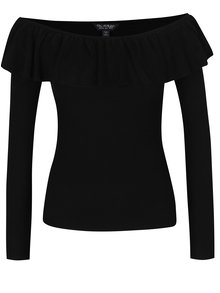 Čierny sveter s odhalenými ramenami a volánom Miss Selfridge