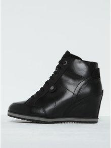 Černé dámské kožené boty na klínku Geox Illusion A