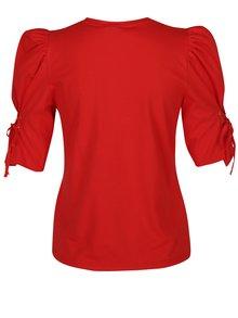 Červené tričko s nariasenými rukávmi a šnurovaním Miss Selfridge