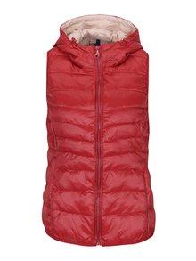 Červená prešívaná tenká vesta s kapucňou ONLY Tahoe