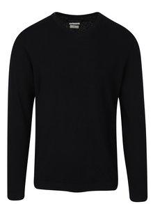 Čierny ľahký sveter s véčkovým výstrihom Jack & Jones Luke