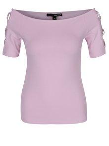 Světle růžové tričko s odhalenými rameny a pásky na rukávech TALLY WEiJL