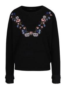 Čierny sveter s výšivkami a volánmi na rukávoch VERO MODA Costa
