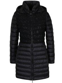 Čierny dámsky prešívaný funkčný páperový kabát s kapucňou a čipkovými detailmi Geox