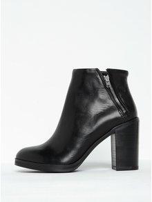 Čierne dámske kožené členkové topánky na podpätku Royal RepubliQ