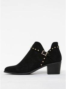 Čierne členkové topánky v semišovej úprave na podpätku s ozdobnými detailmi Miss Selfridge