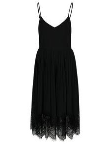 Černé šaty s plisovanou sukní a krajkovým dolním lemem VILA Elisabeth