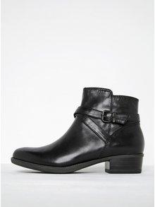Černé kožené kotníkové boty s tenkým páskem a přezkou Tamaris