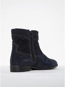 Tmavě modré semišové kotníkové boty s prošívanými detaily Tamaris