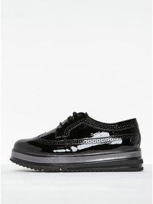 Pantofi brogue negri lăcuitiți cu platformă Tamaris