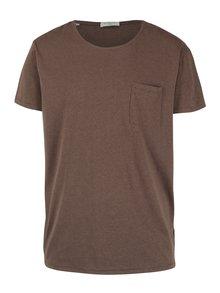 Hnědé žíhané tričko s náprsní kapsou Selected Homme Flame