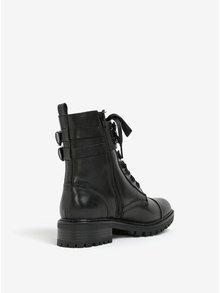 Černé kotníkové boty s ozdobnou přezkou Miss KG Sax