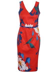 Červené kvetované puzdrové šaty s opaskom Closet