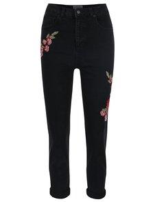 Černé slim fit zkrácené džíny s nášivkou a vysokým pasem Miss Selfridge