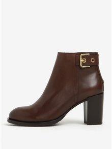 Hnedé dámske kožené členkové topánky na podpätku Tommy Hilfiger Penelope