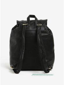 Čierny sťahovací batoh s príveskom Nalí