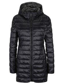 Černý prošívaný kabát s kapucí ONLY Tahoe
