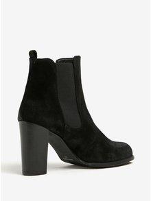 Čierne semišové chelsea topánky na vysokom podpätku OJJU