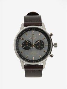 Unisex hodinky v striebornej farbe s tmavohnedým koženým remienkom TRIWA Smoky Nevil