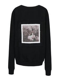 Čierna unisex mikina s nášivkou retro slečny na chrbte La femme MiMi Teta Věra no.3