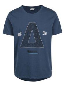 Modré tričko s potiskem a prodlouženým zadním dílem Jack & Jones Hake