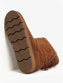 Hnedé semišové čižmy so šnurovaním na zadnej strane Tamaris