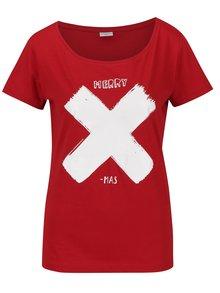 Červené tričko s bílým potiskem Jacqueline de Yong Chicago