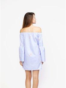 Modro-bílé pruhované šaty s odhalenými rameny MISSGUIDED