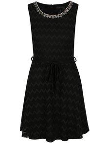 Rochie clos neagra cu decoratiuni la decolteu Mela London
