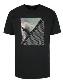 Čierne pánske regular fit tričko s potlačou Quiksilver Coast Lines