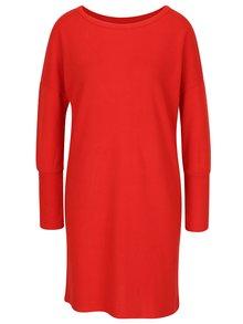 Červené svetrové šaty s průstřihem na zádech Noisy May City