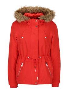 Červená bunda s kapucí VERO MODA Agnes