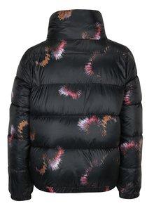Čierna kvetovaná bunda s vysokým golierom Jacqueline de Yong Roona