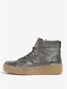 Metalické kožené kotníkové boty na platformě ve stříbrné barvě Tamaris