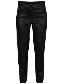 Čierne regular fit nohavice so vzhľadom brúsenej kože Yest