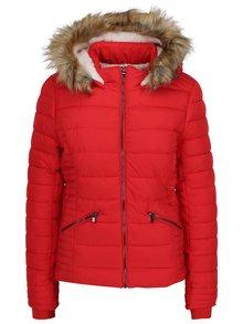 Červená prešívaná zimná bunda s umelou kožušinou TALLY WEiJL