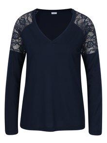 Tmavě modré tričko s krajkou na ramenou Jacqueline de Yong Parvola