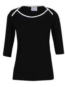 Čierne tričko s lodičkovým výstrihom Jana Minaříková