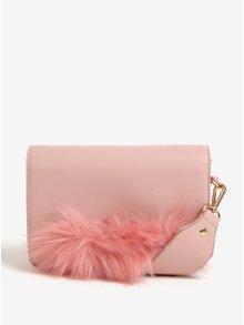 Ružová crossbody kabelka s detailom z umelej kožušiny Pieces Ake