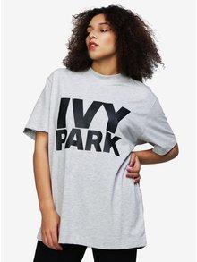 Světle šedé oversize tričko s potiskem Ivy Park